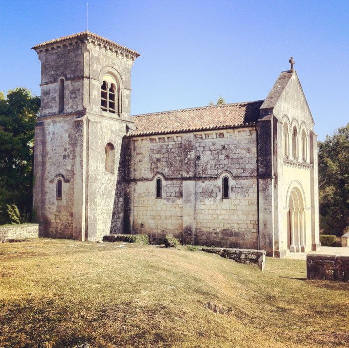Les Auges, Cherves Richemont and Église Saint-George