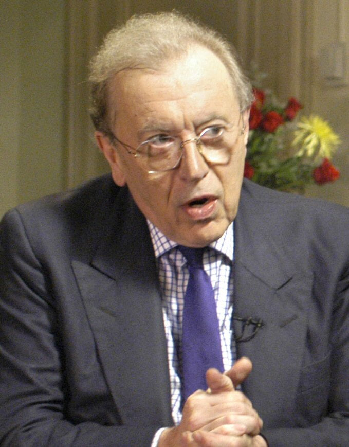 Broadcaster Sir David Frost dies